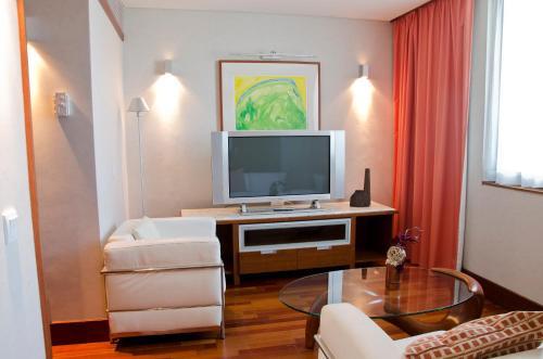 VIP Executive Arts Hotel - image 6
