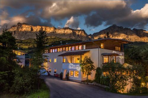 Boutique Hotel Dolomit Alta Badia-La Villa/Stern