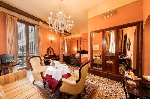 Hotel Al Ponte Dei Sospiri - image 1