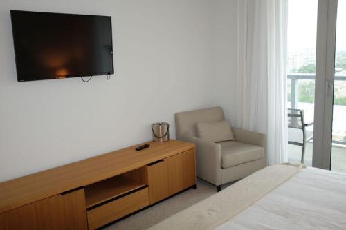 Lux Apartment Hallandale Miami - Hallandale Beach, FL 33009