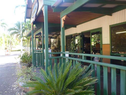 . Ivanhoe Resort