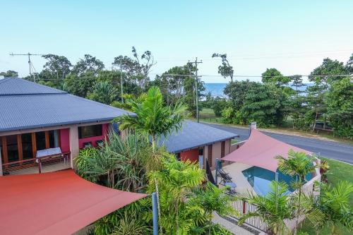 . Pandanus Holiday Apartments