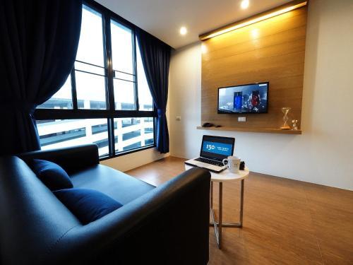 130 Hotel & Residence Bangkok photo 61