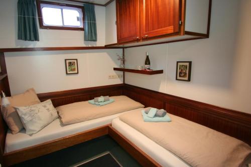 Hotelboat Fiep photo 7