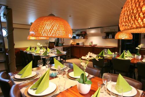 Hotelboat Fiep photo 9
