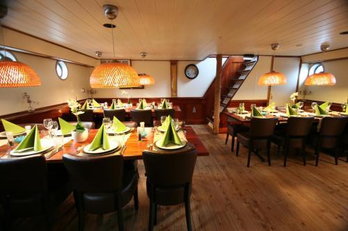 Hotelboat Fiep photo 10
