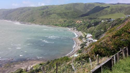 Kapiti Waves B&B - Accommodation - Pukerua Bay