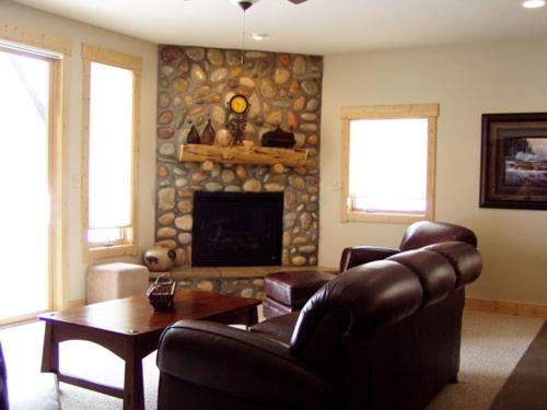 Townhome With Nice Yard - South Fork, CO 81154