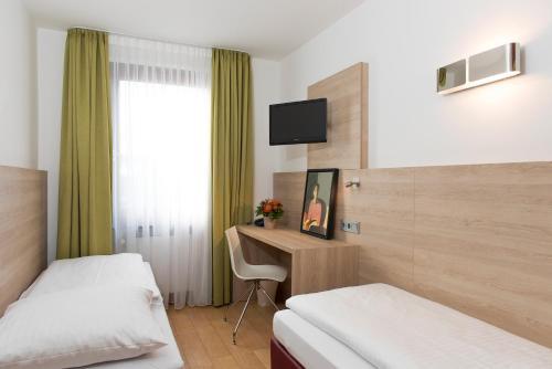 Hotel Amba photo 24
