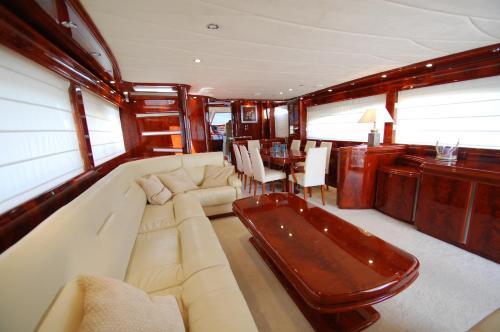 Motor Yacht Dandy photo 5