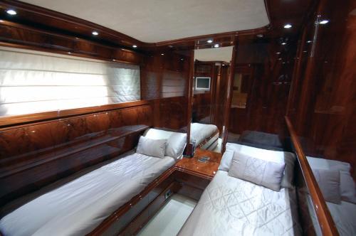 Motor Yacht Dandy photo 28