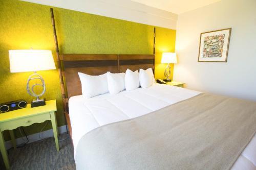 Hotel Champlain - Photo 6 of 68