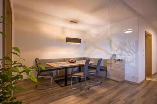 Two-Bedroom Apartment (Pferdeglück)