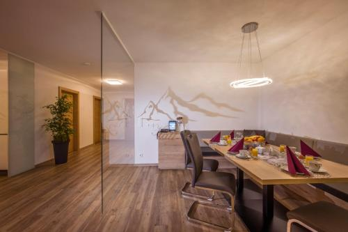 Two-Bedroom Apartment with Balcony (Kristall)