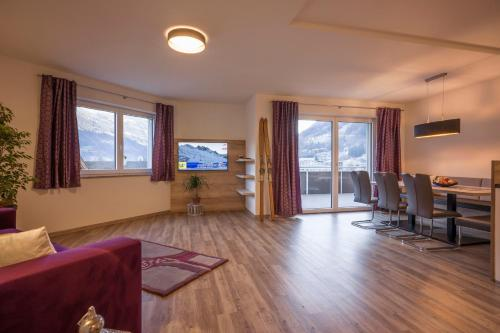 Two-Bedroom Apartment with Balcony (Zillertal Deluxe)