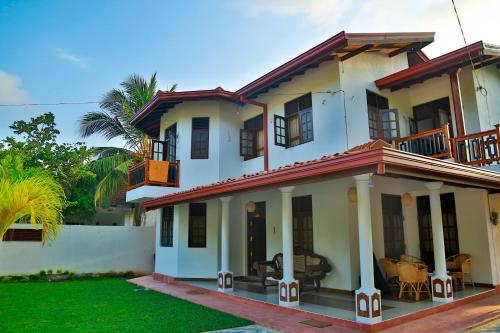 . 4 S Villa