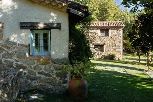 Casa de 2 dormitorios El Vergel de Chilla tiene 3 alojamientos Abejas 1 Abejas 2 y Libélula 20