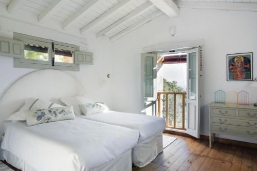 Two-Bedroom House El Vergel de Chilla 42