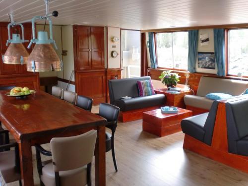 Hotelboat Fiep photo 14