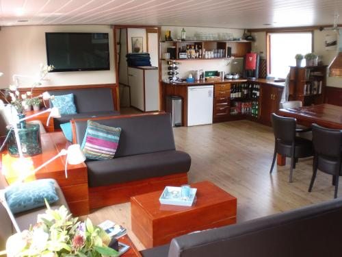 Hotelboat Fiep photo 31