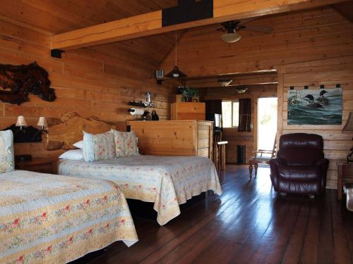 Фото отеля Alaskan Suites