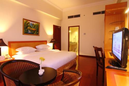 Golden View Hotel photo 43