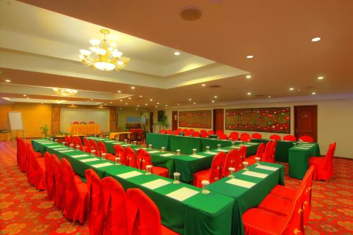Golden View Hotel photo 47