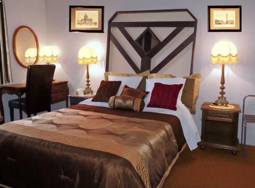 __{offers.Best_flights}__ Hotel Restaurant Cristal