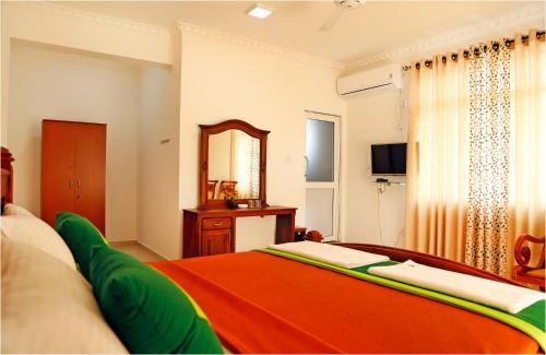 Deluxe Double Room with Free Airport drop