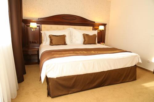 Standard Double Room 4****