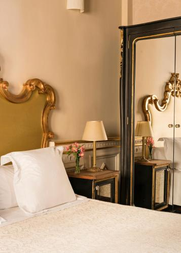 Habitación Individual Básica Hotel Casa 1800 Granada 34