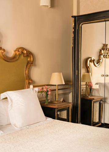 Habitación Individual Básica Hotel Casa 1800 Granada 23