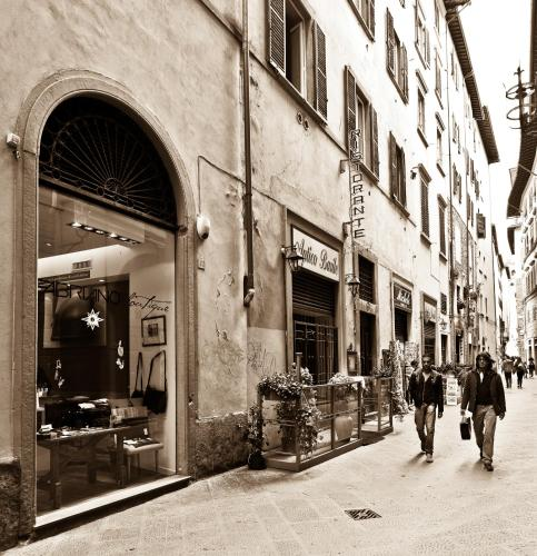 Heart of Florence, Pension in Florenz