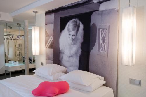 Kube Hotel Paris - Ice Bar photo 9
