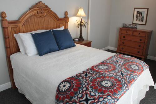 Crystal Bay Hotel - St Petersburg, FL 33710