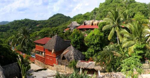 . Villa Escondida