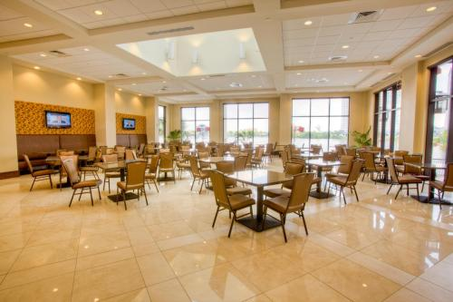 Ramada Plaza Resort & Suites by Wyndham Orlando Intl Drive photo 4