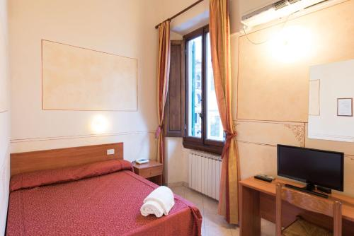 Economy Tweepersoonskamer met Gedeelde Badkamer (Economy Double Room with Shared Bathroom)