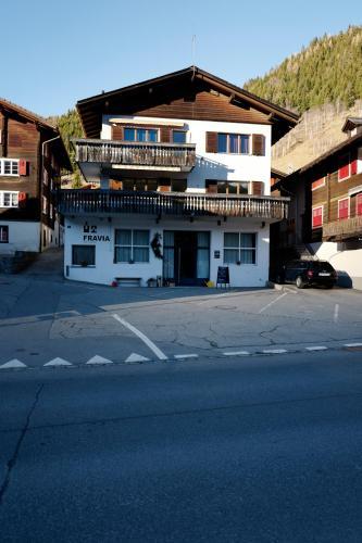 Haus Fravia - Apartment - Sedrun