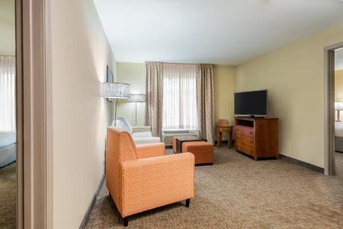 Homewood Suites by Hilton St Louis Riverport- Airport West - Maryland Heights, MO 63043