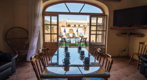 Ta' Bejza Holiday Home with Private Pool