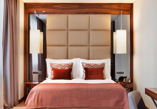 TURIM Marques Hotel - image 4