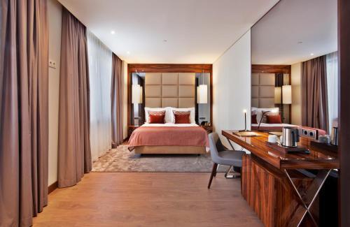 TURIM Marques Hotel - image 5
