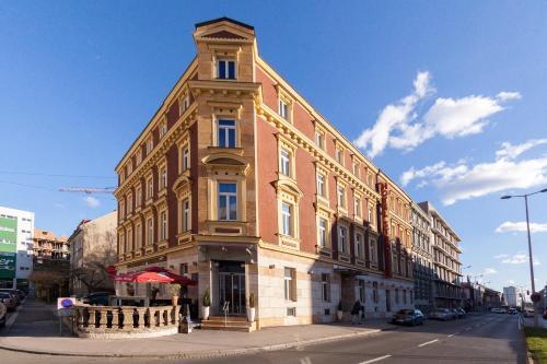 . Hotel Strasser