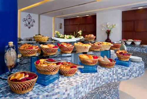 City Seasons Al Hamra Hotel photo 40