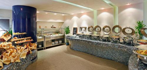 City Seasons Al Hamra Hotel photo 19