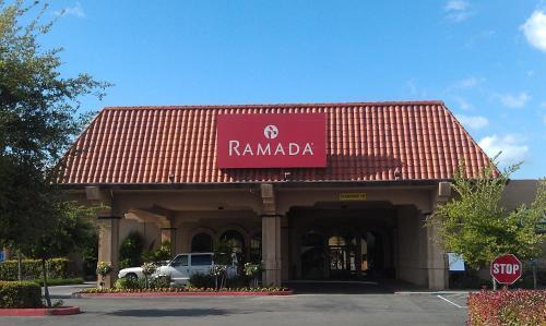 Ramada By Wyndham Fresno North - Fresno, CA 93710