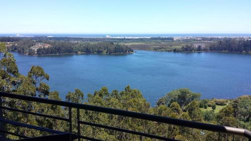 . Vista Laguna