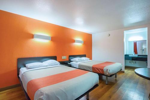 Motel 6 Round Rock/Austin room photos
