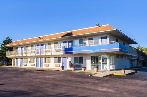 . Motel 6-Mitchell, SD